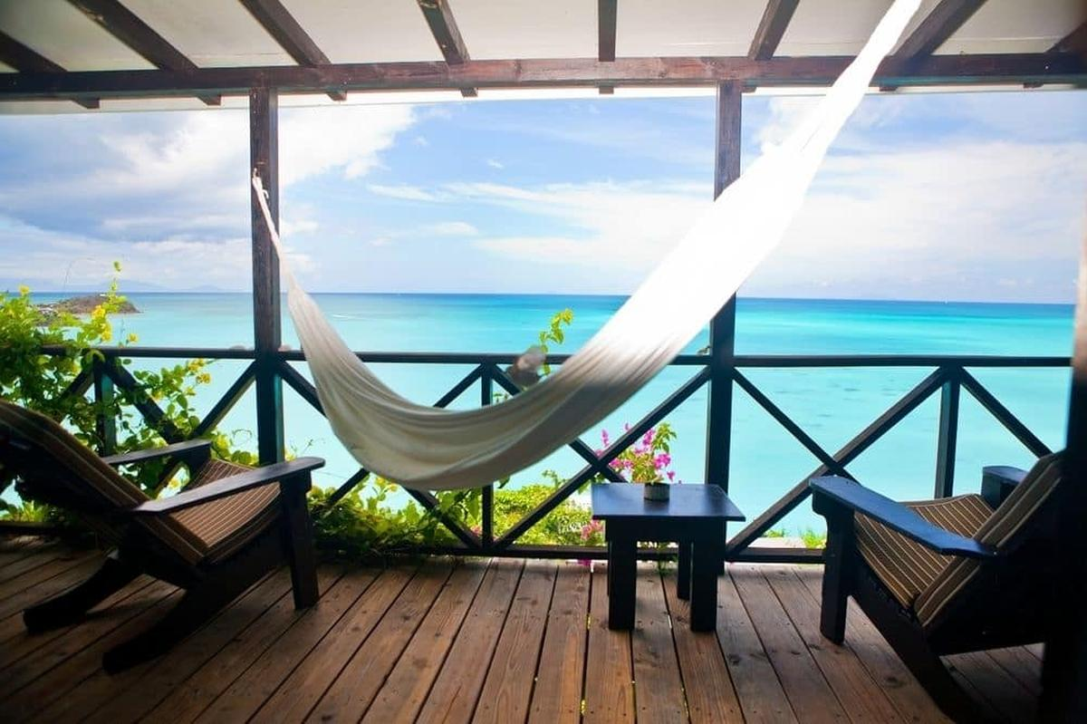 content/hotel/Antigua hotelek/Cocos Hotel/Accommodation/Sunset Oceanview Cottage/cocoshotel-acc-sunsetoceanviewcottage-01.jpg
