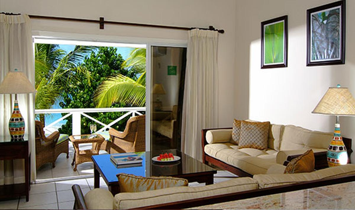 content/hotel/Antigua hotelek/Galley Bay Resort/Accommodation/Premium Beachfront Suite/galleybayresort-acc-premiumbeachfrontsuite-03.jpg