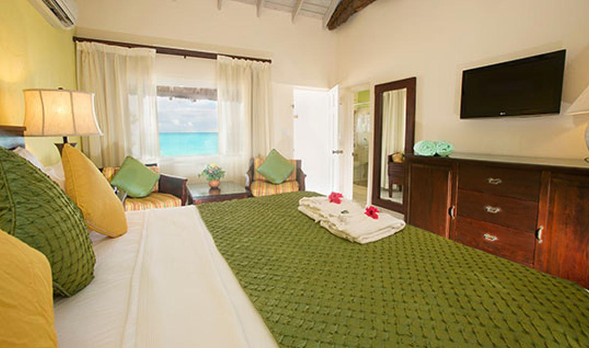 content/hotel/Antigua hotelek/Galley Bay Resort/Accommodation/Superior Beachfront Room/galleybayresort-acc-superiorbeachfrontroom-02.jpg