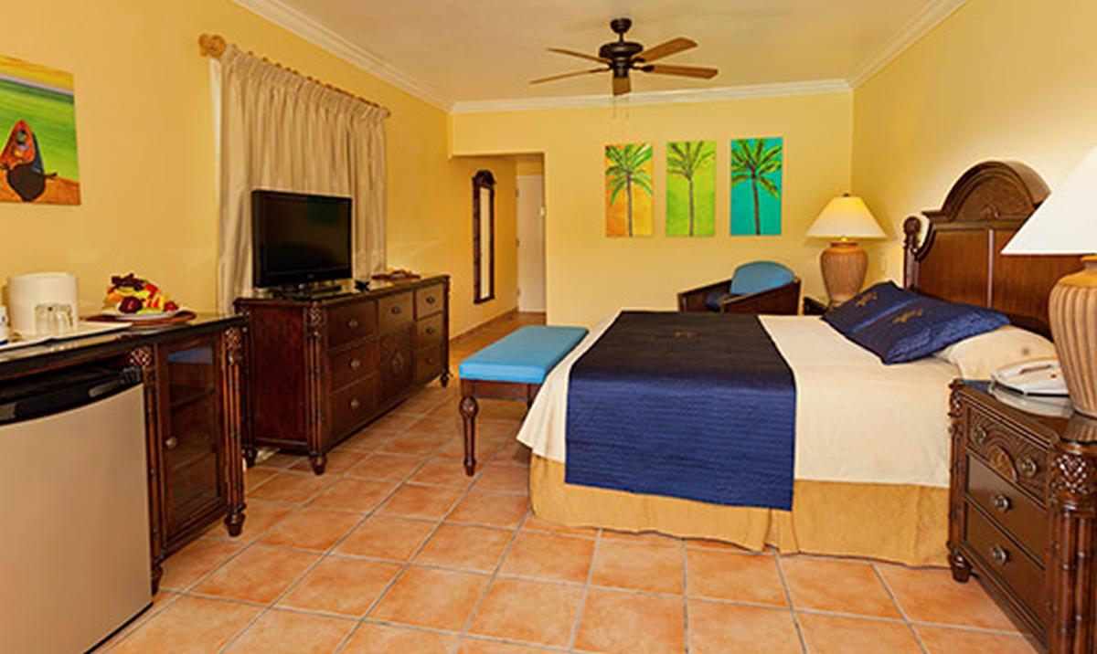 content/hotel/Antigua hotelek/St. James Club and Villas/Accommodation/Club Room/stjamesclubandvillas-acc-clubroom-01.jpg