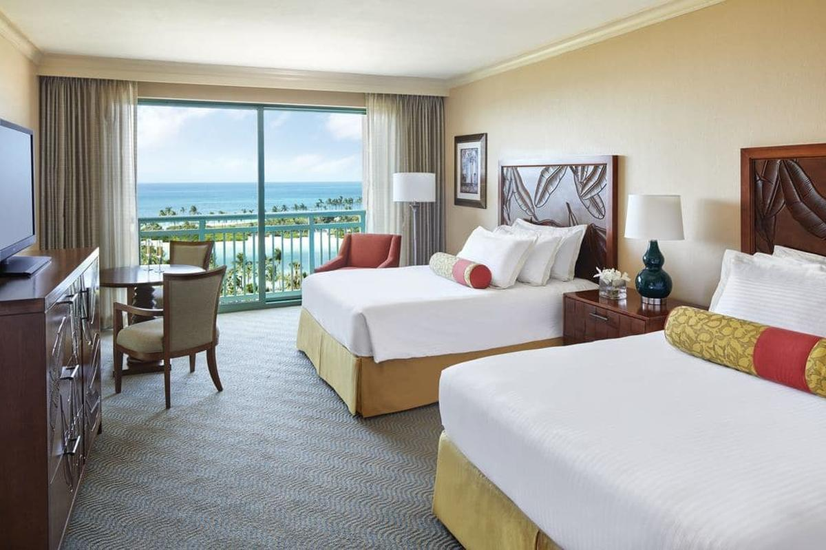 content/hotel/Bahama-szigetek hotelek/Atlantis Paradise Island Royal Towers/Accommodation/Waterview Room/atlantisparadiseislandroyaltowers-acc-waterviewroom-02.jpg