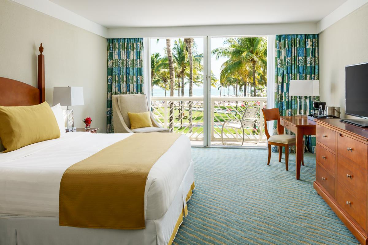 content/hotel/Bahama-szigetek hotelek/Lighthouse Pointe at Grand Lucayan/Accommodation/Islandview Room/lighthousepointeatgrandlucayan-acc-islandviewroom-01.jpg
