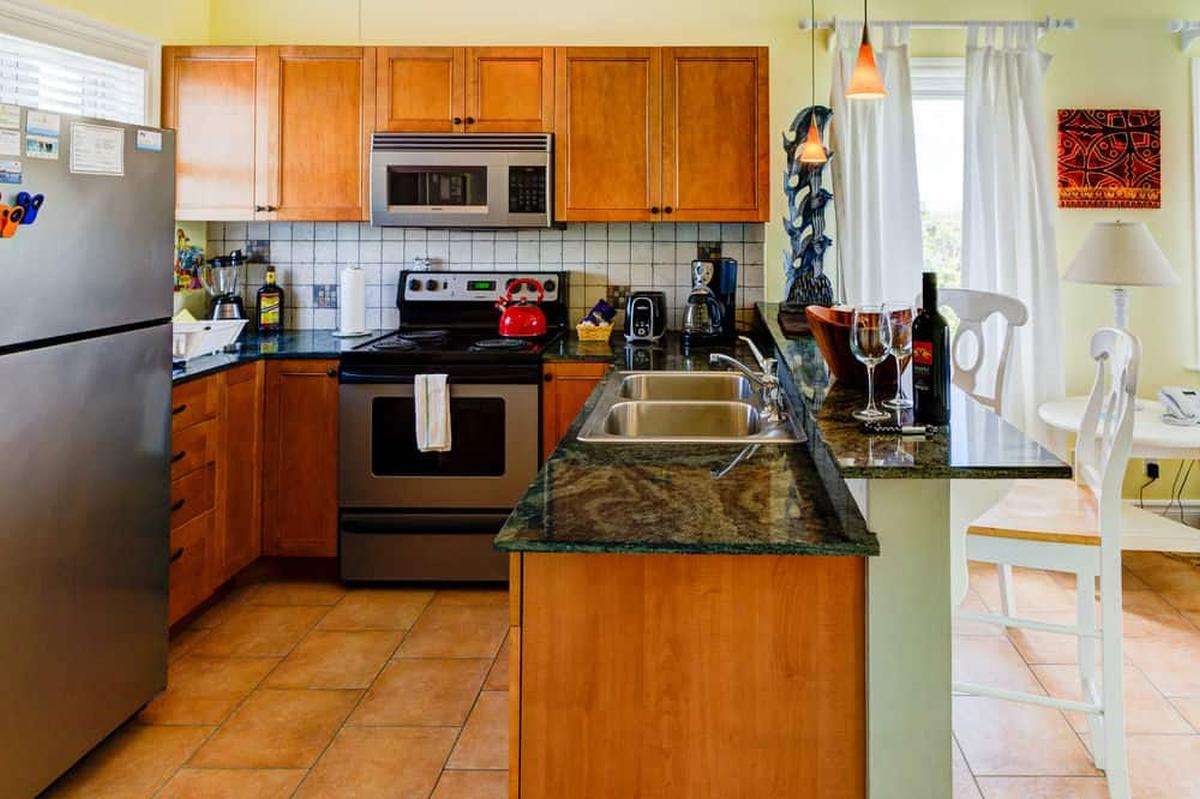 content/hotel/Bahama-szigetek hotelek/Pineapple Fields/Accommodation/One Bedroom Condo downstairs/pineapplefields-acc-onebedroomcondodownstairs-02.jpg