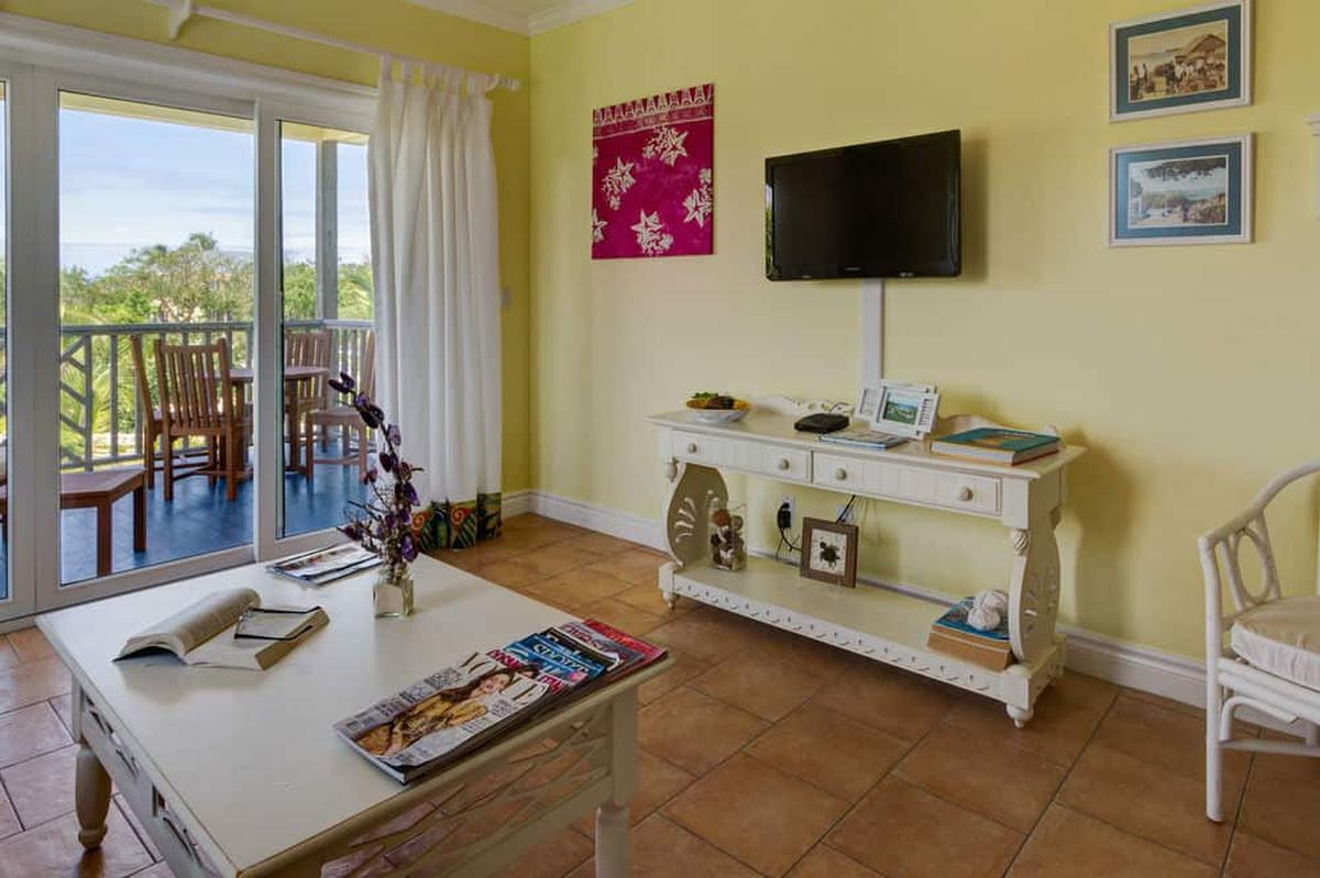 content/hotel/Bahama-szigetek hotelek/Pineapple Fields/Accommodation/One Bedroom Condo upstairs/pineapplefields-acc-onebedroomcondoupstairs-03.jpg