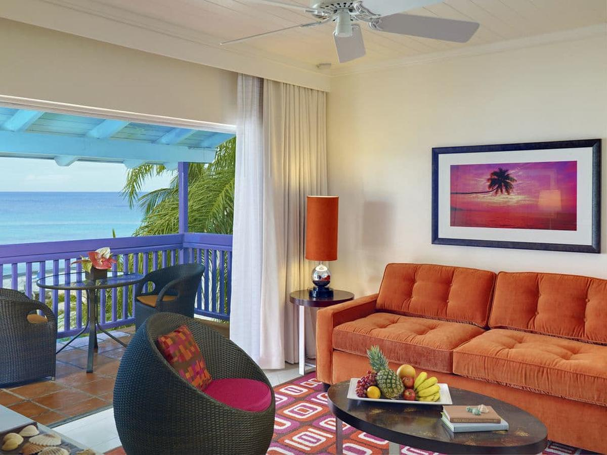 content/hotel/Barbados hotelek/Crystal Cove by Elegant Hotels/Accommodation/One Bedroom Suite Oceanview/crystalcovebyeleganthotels-acc-onebedroomsuiteoceanviewroom-02.jpg