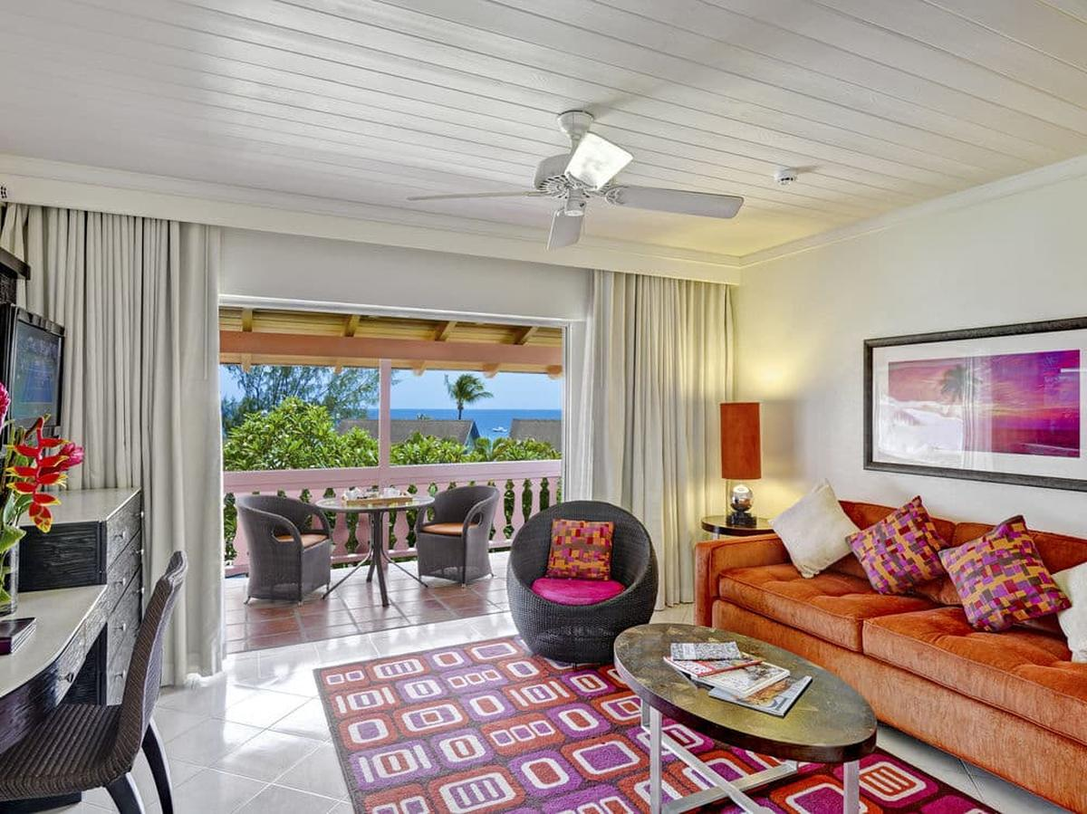 content/hotel/Barbados hotelek/Crystal Cove by Elegant Hotels/Accommodation/One Bedroom Suite PoolGardenview/crystalcovebyeleganthotels-acc-one-bedroom-suitepoolgardenviewroom-02.jpg