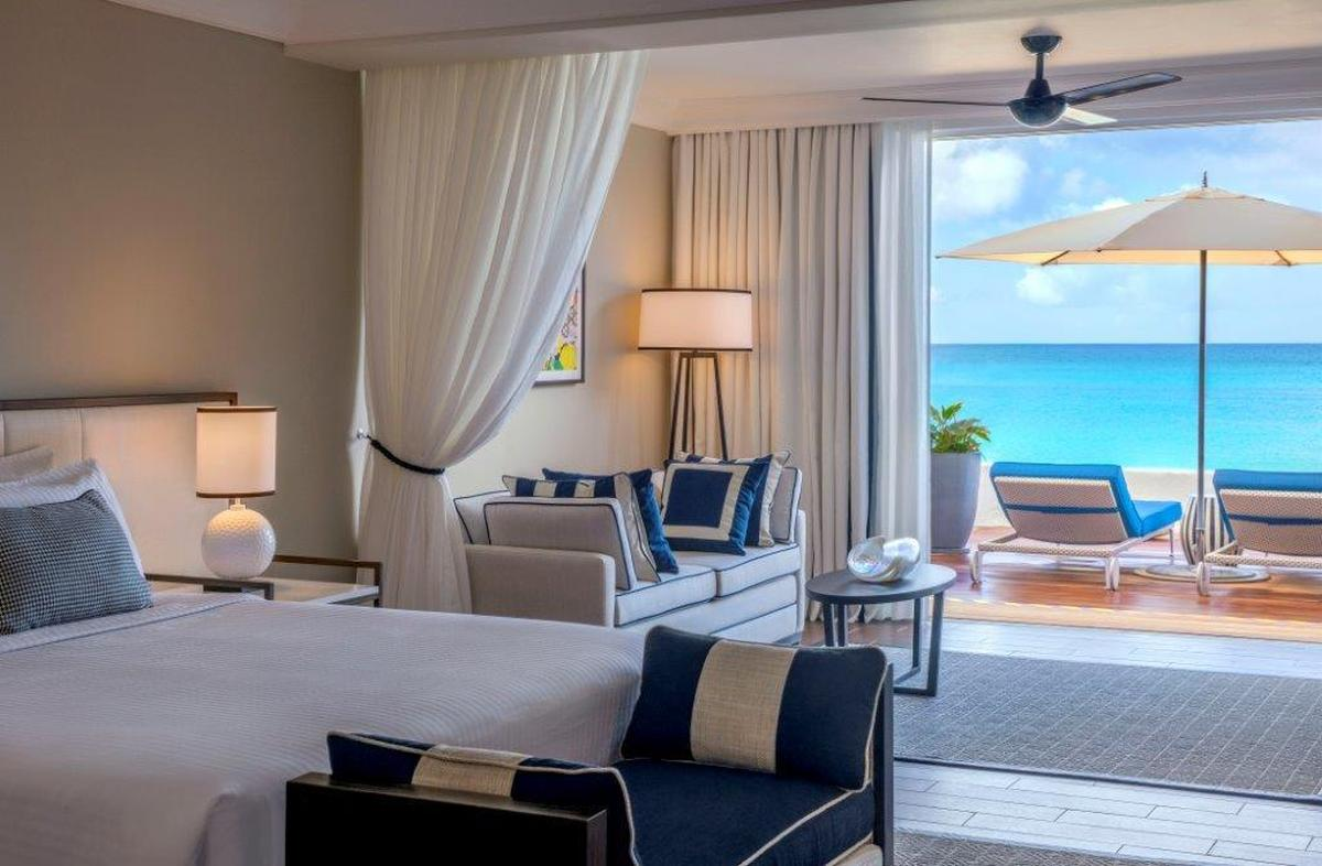 content/hotel/Barbados hotelek/Fairmont Royal Pavilion/Accommodation/Beachfront Junior Suite/fairmontroyalpavilion-acc-beachfrontjuniorsuite-02.jpg