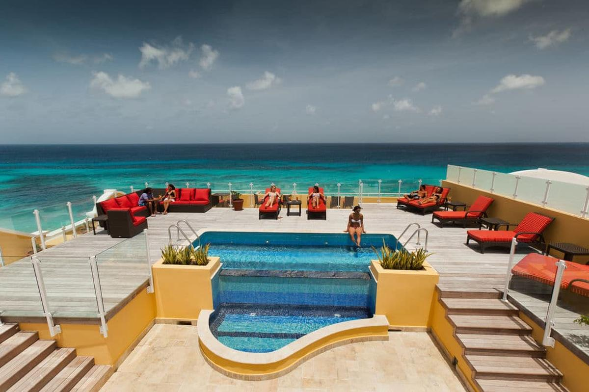 content/hotel/Barbados hotelek/Ocean Two Resort and Residence/Our/oceantworesortandresidence-our-03.jpg