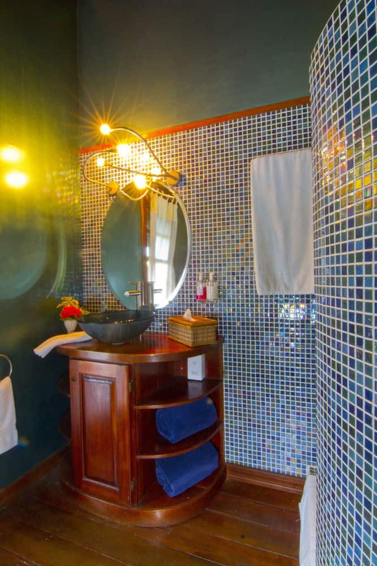 content/hotel/Grenada hotelek/Le Phare Bleu Marina and Boutique Hotel/Accommodation/One Bedroom Upper Floor Apartment/lepharebleumarinaandboutiquehotel-acc-onebedroomupperfloorapartment-03.jpg