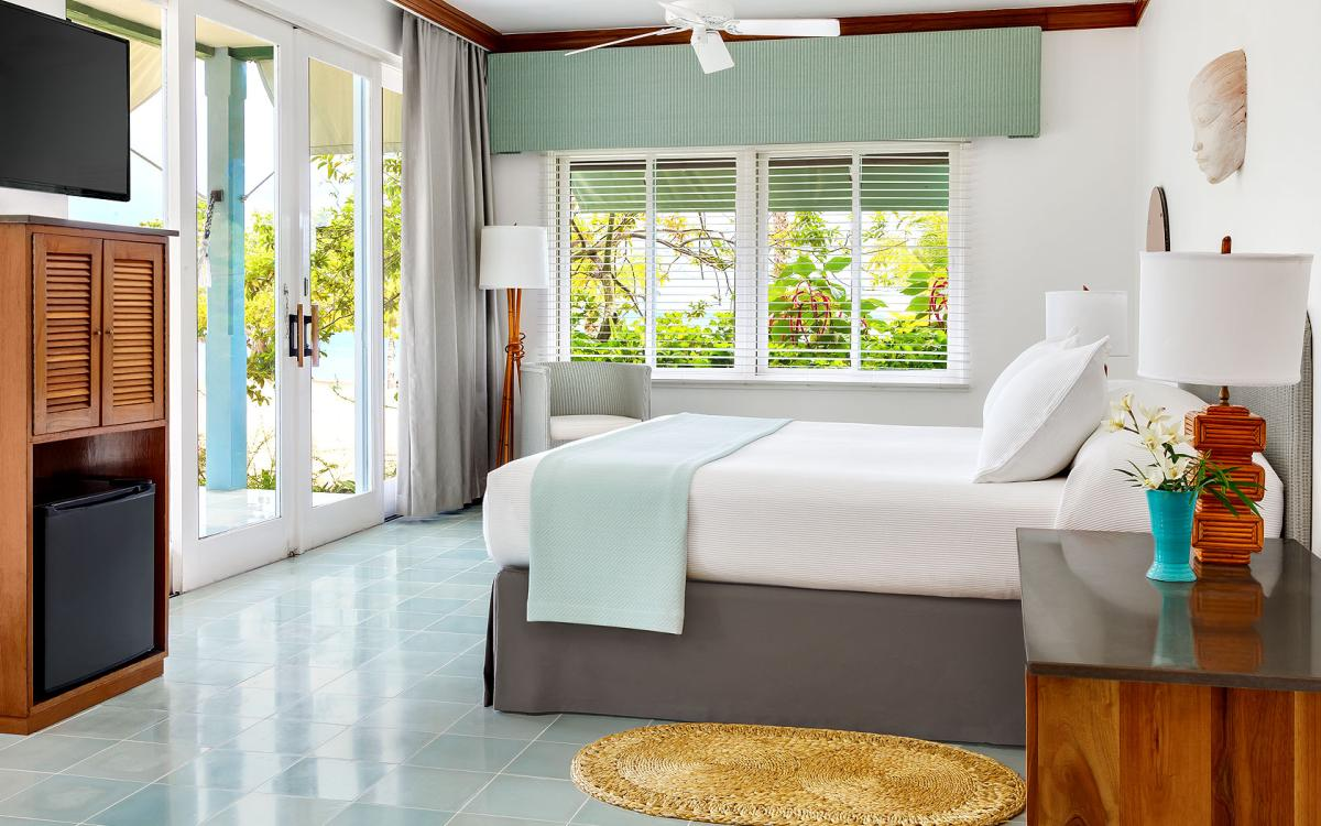 content/hotel/Jamaika hotelek/Couples Negril/Accommodation/Beachfront Suite/couplesnegril-acc-beachfrontsuite-02.jpg