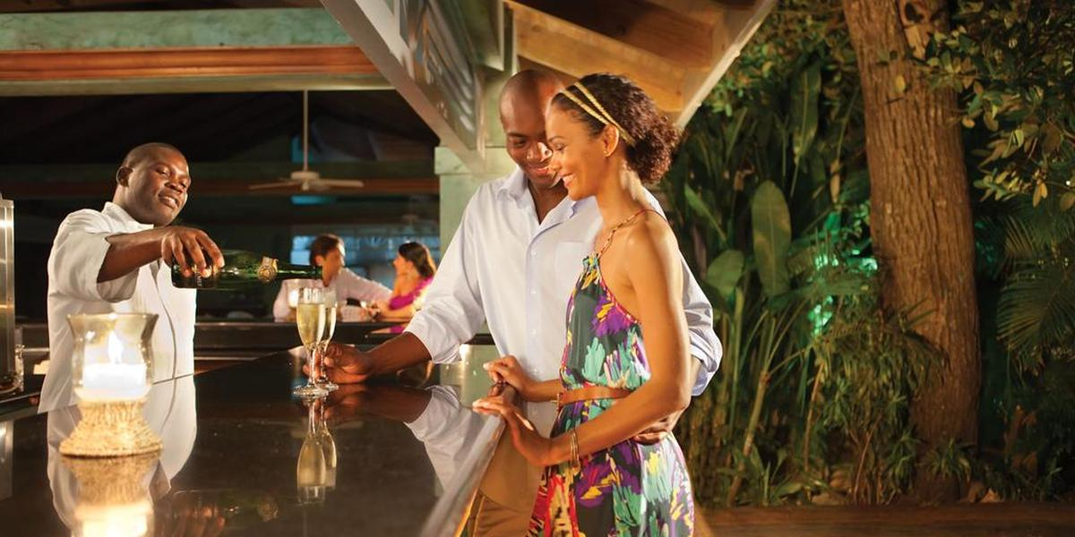 content/hotel/Jamaika hotelek/Couples Negril/Dining/couplesnegril-dining-01.jpg
