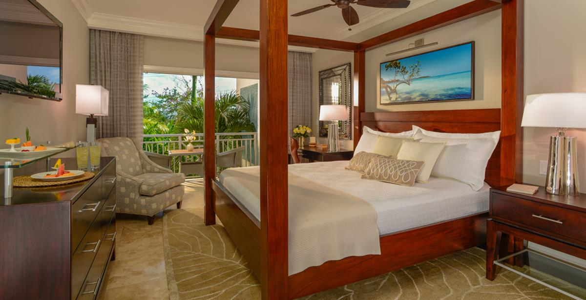 content/hotel/Sandals Negril/Accommodation/Caribbean Premium Room/sandalsnegril-acc-caribbeanpremiumroom-01.jpg