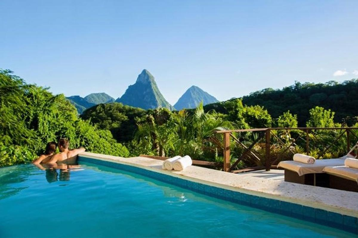 content/hotel/St. Lucia hotelek/Anse Chastanet/Accommodation/Casuarina Piton Pool Suite/ansechastanet-acc-casuarinapitonpoolsuite-01.jpg