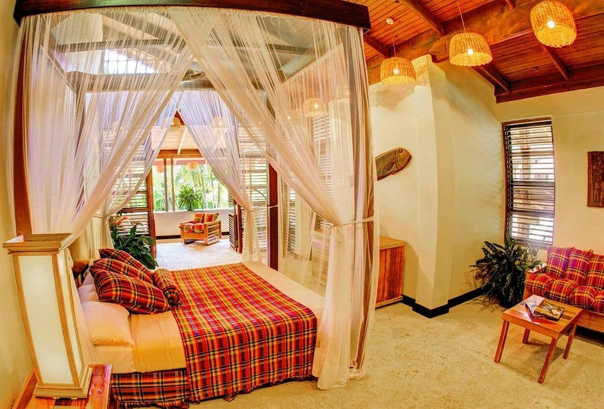 content/hotel/St. Lucia hotelek/Anse Chastanet/Accommodation/Deluxe Beachside Room/ansechastanet-acc-deluxebeachsideroom-01.jpg