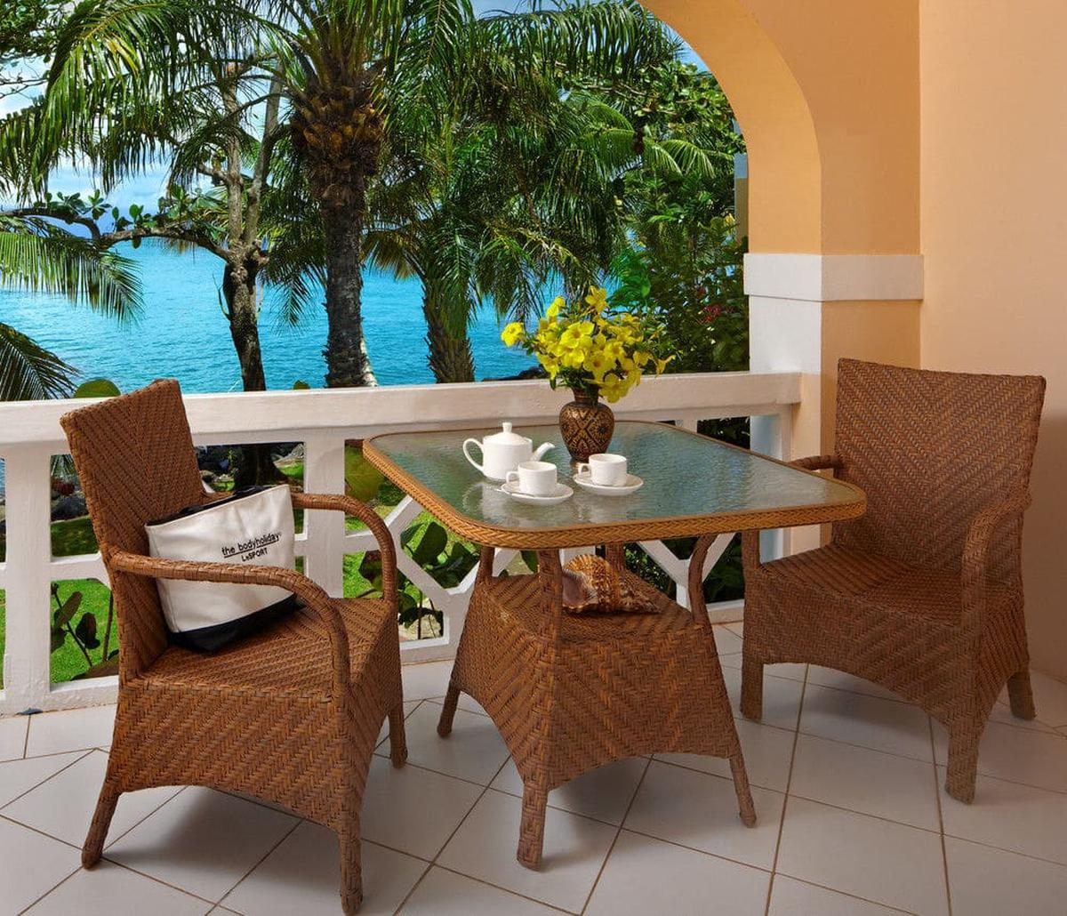 content/hotel/St. Lucia hotelek/The Body Holiday LeSport/Accommodation/Luxury Oceanfront Room/thebodyholidaylesport-acc-luxuryoceanfrontroom-02.jpg