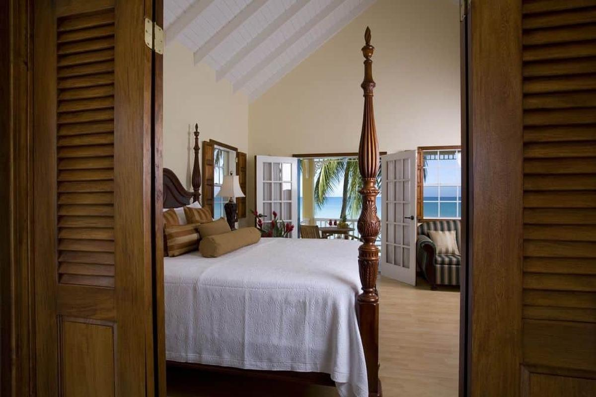 content/hotel/St. Lucia hotelek/Villa Beach Cottages/Accommodation/Deluxe One Bedroom Villa Suite/villabeachcottages-acc-deluxeonebedroomvillasuite-01.jpg