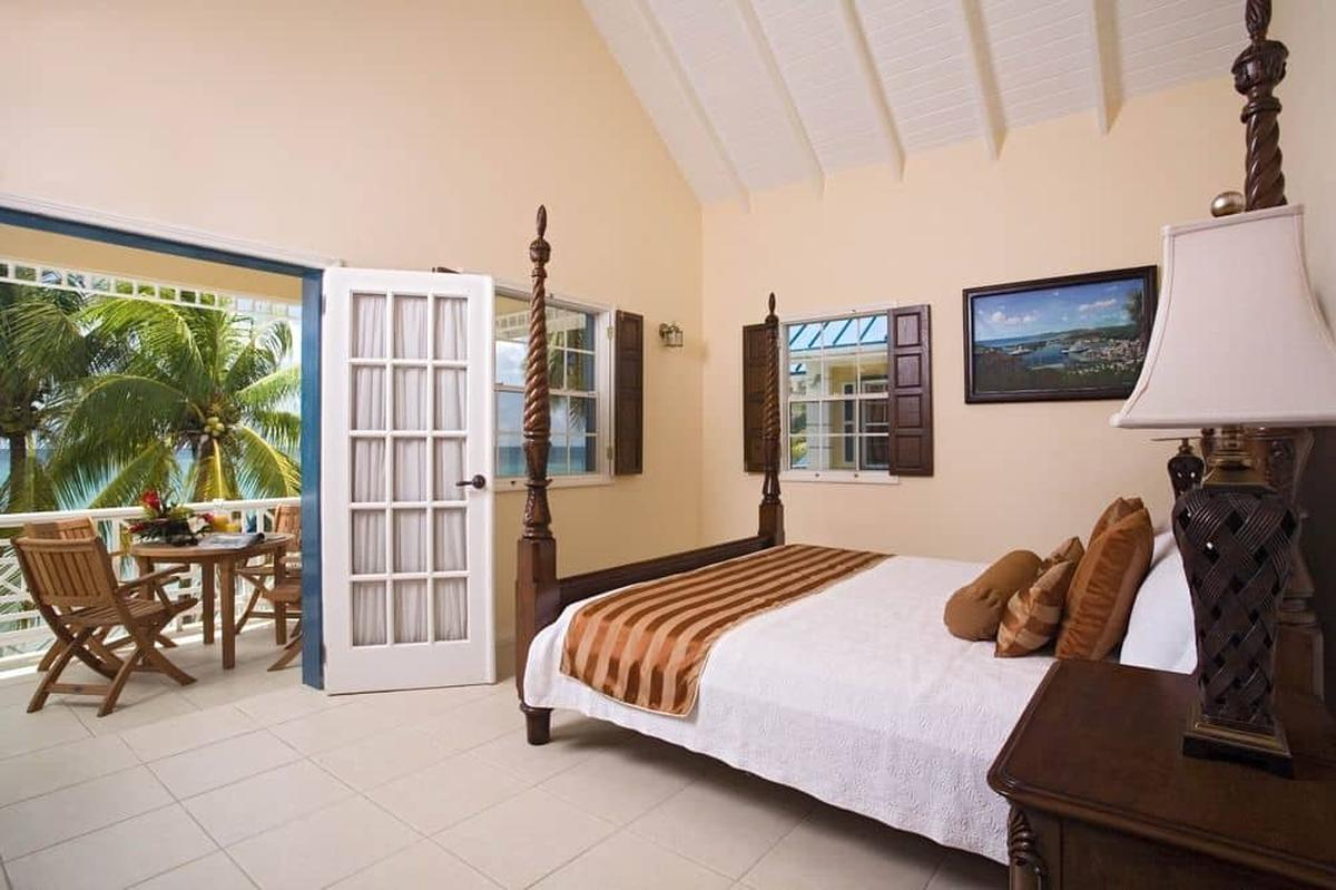 content/hotel/St. Lucia hotelek/Villa Beach Cottages/Accommodation/Deluxe Two Bedroom Villa Suite/villabeachcottages-acc-deluxetwobedroomvillasuite-02.jpg
