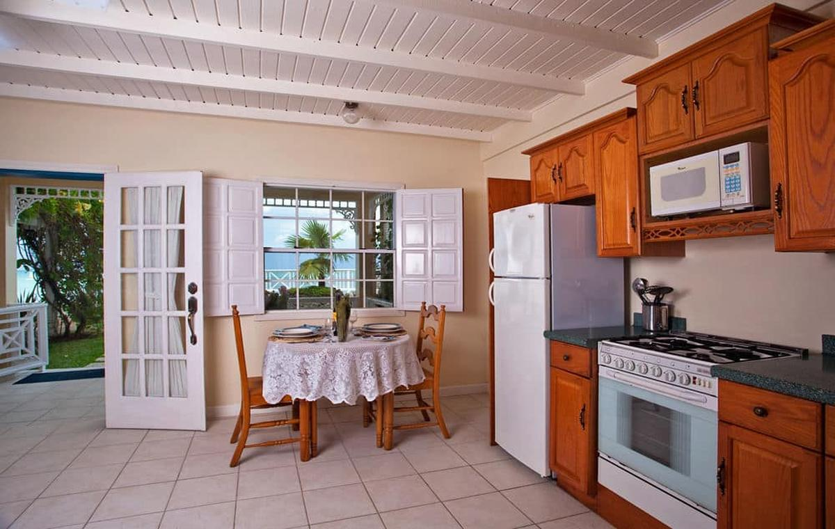 content/hotel/St. Lucia hotelek/Villa Beach Cottages/Accommodation/Standard One Bedroom Villa Suite (lower)/villabeachcottages-acc-standardonebedroomvillasuitelower-03.jpg
